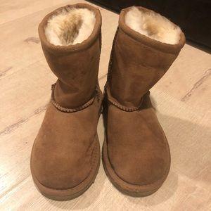 NWOT UGG boots for Toddler